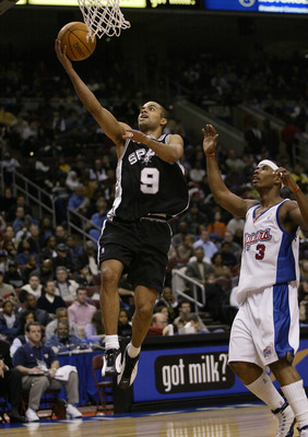 9 Feb 2002:  Tony Parker #9 of the San Antonio Spurs and the NBA Rookies team shoots the ball while defended by Quentin Richardson #3 of the Los Angeles Clippers and the NBA Sophmores during the Got Milk Rookie Challenge game during the NBA All-Star Weeke