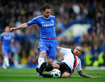 LONDON, ENGLAND - MARCH 20:  Frank Lampard of Chelsea is tackled by Nigel de Jong of Manchester City during the Barclays Premier League match between Chelsea and Manchester City at Stamford Bridge on March 20, 2011 in London, England.  (Photo by Michael R