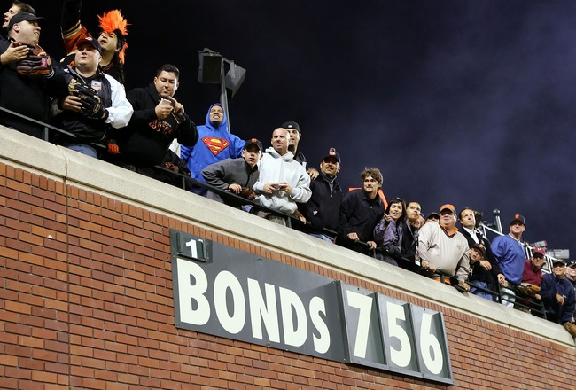 SAN FRANCISCO - AUGUST 07:  Fans look on after Barry Bonds #25 of the San Francisco Giants hit career home run #756 against the Washington Nationals on August 7, 2007 at AT&T Park in San Francisco, California. With his 756th career home run, Barry Bonds s