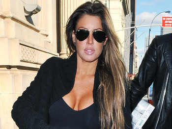 http://www.nydailynews.com/gossip/2009/12/11/2009-12-11_rachel_uchitel_negotiating_to_appear_in_playboy_report_.html