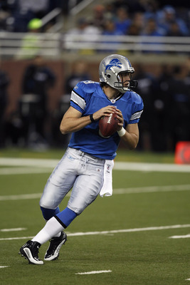 DETROIT, MI - NOVEMBER 22: Matthew Stafford #9 of the Detroit Lions looks to pass the football in the first half against the Cleveland Browns at Ford Field on November 22, 2009 in Detroit, Michigan. (Photo by Joe Robbins/Getty Images)