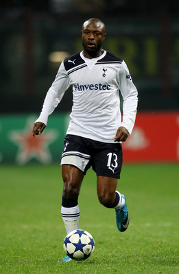 MILAN, ITALY - FEBRUARY 15:   William Gallas of Tottenham Hotspur in action during the UEFA Champions League round of 16 first leg match between AC Milan and Tottenham Hotspur at Stadio Giuseppe Meazza on February 15, 2011 in Milan, Italy.  (Photo by Alex