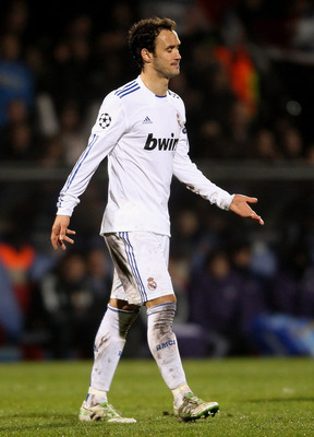 LYON, FRANCE - FEBRUARY 22:  Ricardo Carvalho of Real Madrid looks dejected during the Champions League match between Lyon and Real Madrid at Stade Gerland on February 22, 2011 in Lyon, France.  (Photo by Scott Heavey/Getty Images)