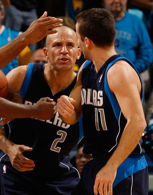 NEW ORLEANS - NOVEMBER 04:  Jason Terry #31, Shawn Marion #0, Jason Kidd #2  congratulate Jose Barea #11 of the Dallas Mavericks during the game against the New Orleans Hornets at New Orleans Arena on November 4, 2009 in New Orleans, Louisiana.  NOTE TO U