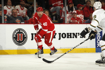 DETROIT, MI - FEBRUARY 24:  Henrik Zetterberg #40 of the Detroit Red Wings skates against the Dallas Stars on February 24, 2011 at Joe Louis Arena in Detroit, Michigan.  (Photo by Gregory Shamus/Getty Images)