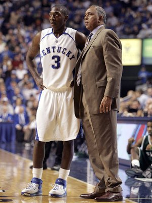 LEXINGTON, KY - NOVEMBER 17:  Tubby Smith the Head Coach of the Kentucky Wildcats talks with Ramel Bradley #3 during the game against the Mississippi Valley State Devils on November 17, 2006 at Rupp Arena in Lexington, Kentucky. Kentucky won 79-56. (Photo
