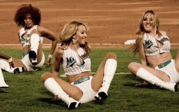 Cheerleaders5340071_yankees_v_marlins_display_image
