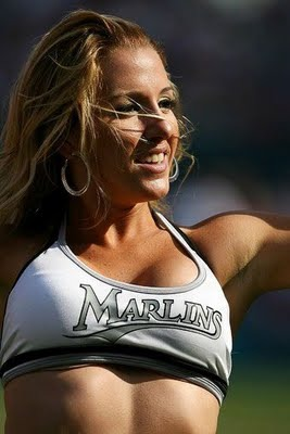 Mlb_cheerleaders_35_display_image