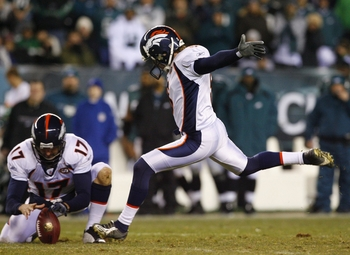 PHILADELPHIA - DECEMBER 27 : Matt Prater #5 of the Denver Broncos ties the game with a field goal in the forth quarter against the Philadelphia Eagles at Lincoln Financial Field on December 27, 2009 in Philadelphia, Pennsylvania. (Photo by Jim McIsaac/Get