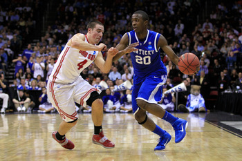 NEWARK, NJ - MARCH 25:  Doron Lamb #20 of the Kentucky Wildcats in action against Aaron Craft #4 of the Ohio State Buckeyes during the east regional semifinal of the 2011 NCAA Men's Basketball Tournament at the Prudential Center on March 25, 2011 in Newar