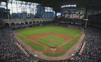 HOUSTON - AUGUST 19:  The New York Mets play the Houston Astros on August 19, 2010 at Minute Maid Park in Houston, Texas.  (Photo by Bob Levey/Getty Images)