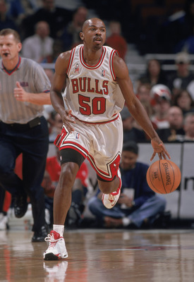 4 Dec 2001:  Point guard Greg Anthony #50 of the Chicago Bulls dribbles the ball during the NBA game against the Houston Rockets at the United Center in Chicago, Illinois.  The Bulls crushed the Rockets 103-75.Mandatory Credit:  Jonathan Daniel/Getty Imag