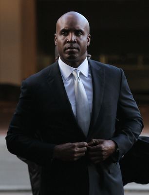 SAN FRANCISCO, CA - MARCH 21:  Former Major League Baseball player Barry Bonds arrives for the first day of his perjury trial on March 21, 2011 in San Francisco, California. Barry Bonds' perjury trial begins today accusing him of lying to a grand jury abo