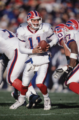 11 Nov 2001:  Quarterback Rob Johnson #11 of the Buffalo Bills handing the ball off during the game against the New England Patriots at the Foxboro Stadium in Foxboro, Massachusetts. The Patriots defeated the Bills 21-11.Mandatory Credit: Jamie Squire /Al