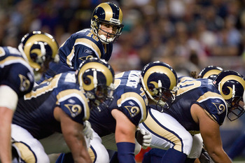 ST. LOUIS - NOVEMBER 22: Marc Bulger #10 of the St. Louis Rams lines up against the Arizona Cardinals at the Edward Jones Dome on November 22, 2009 in St. Louis, Missouri.  The Cardinals beat the Rams 21-13.  (Photo by Dilip Vishwanat/Getty Images)