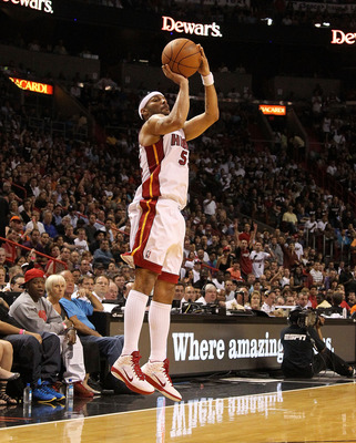 MIAMI, FL - FEBRUARY 27: Eddie House #55 of the Miami Heat shoots a jump shot during a game gainst the New York Knicks at American Airlines Arena on February 27, 2011 in Miami, Florida. NOTE TO USER: User expressly acknowledges and agrees that, by downloa