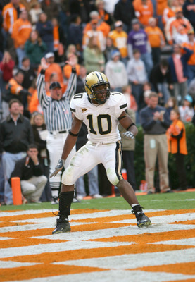 KNOXVILLE, TN - NOVEMBER 19:  Earl Bennett #10 of the Vanderbilt Commodores looks for the ball in the end zone during the game against the Tennessee Volunteers on November 19, 2005 at Neyland Stadium in Knoxville, Tennessee.  (Photo by Doug Pensinger/Gett