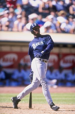 21 Sep 1997:  Outfielder Ken Griffey Jr. of the Seattle Mariners in action during a game against the Oakland A''s at the UMAX Coliseum in Oakland, California.  The Mariners defeated the A''s 9-2. Mandatory Credit: David Seelig  /Allsport