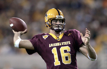 TEMPE, AZ - NOVEMBER 13:  Quarterback Andrew Walter #16 of the Arizona Sun Devils throws against the Washington State Cougars during the first half of their Pac-10 game at Sun Devil Stadium/Frank Kush Field on November 13, 2004 in Tempe, Arizona. (Photo b
