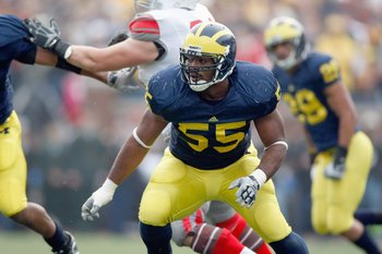 ANN ARBOR, MI - NOVEMBER 21:  Brandon Graham #55 of the Michigan Wolverines moves to blocks during the game against the Ohio State Buckeyes on November 21, 2009 at Michigan Stadium in Ann Arbor, Michigan. Ohio State won the game 21-10. (Photo by Gregory S