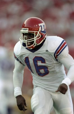 29 Aug 1998:  Wide receiver Troy Edwards #16 of the Louisiana Tech Bulldogs in action during the Eddie Robinson Classic game against the Nebraska Cornhuskers at Tom Osborne Field in Lincoln, Nebraska. The Cornhuskers defeated the Bulldogs 56-27.