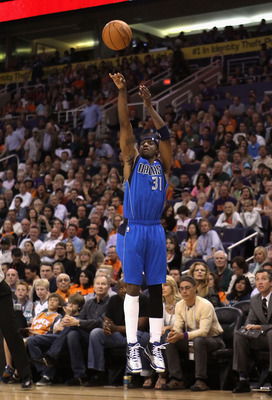 PHOENIX, AZ - MARCH 27:  Jason Terry #31 of the Dallas Mavericks puts up a three point shot against the Phoenix Suns during the NBA game at US Airways Center on March 27, 2011 in Phoenix, Arizona.  The Mavericks defeated the Suns 91-83.  NOTE TO USER: Use