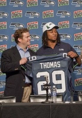 Slideshow_1535626_seattle_draft_football_4518850_display_image