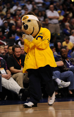 LOS ANGELES, CA - MARCH 12:  Oski the California Golden Bears mascot during their game against the USC Trojans in the Pacific Life Pac-10 Men's Basketball Tournament at the Staples Center on March 12, 2009 in Los Angeles, California.  (Photo by Harry How/