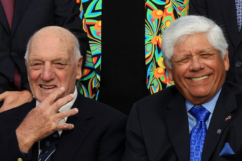 Roberto DeVicenzo ( L) with Lee Trevino (R)