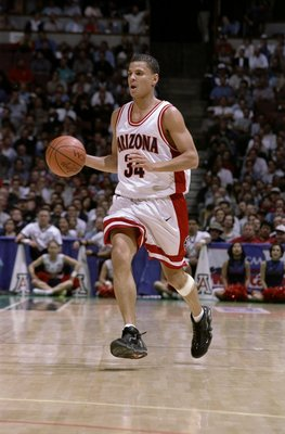 19 Mar 1998:  Guard Miles Simon of the Arizona Wildcats in action against the Maryland Terrapins during an NCAA tournament game at Arrowhead Pond in Anaheim, California.  Arizona defeated Maryland 87-73. Mandatory Credit: Todd Warshaw  /Allsport