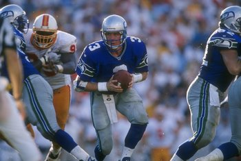22 Sep 1996: Quarterback Rick Mirer #3 of the Seattle Seahawks looks into the back field at his running back as he turns to hand off the football during a play in the Seahawks 17-13 victory over the Tampa Bay Buccaneers at Houlihan's Stadium in Tampa, Flo