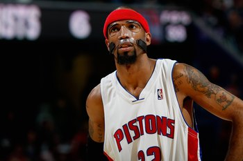 CLEVELAND - FEBRUARY 22:  Richard Hamilton #32 of the Detroit Pistons looks up during the game against the Cleveland Cavaliers on February 22, 2009 at the Quicken Loans Arena in Cleveland, Ohio.  The Cavaliers won 99-78.  NOTE TO USER: User expressly ackn