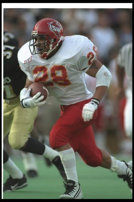 9 Nov 1996:  Running back Troy Davis of the Iowa State Cyclones runs with the ball during a game against the Colorado Buffaloes at Folsom Field in Boulder, Colorado.  Colorado won the game, 49-42. Mandatory Credit: Steve Dykes  /Allsport