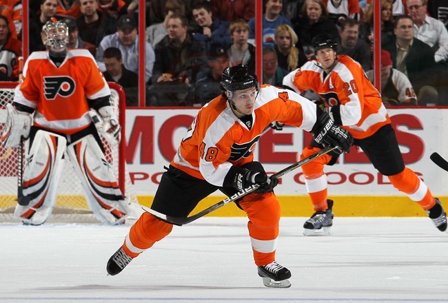 PHILADELPHIA, PA - JANUARY 20:  Daniel Briere #48 of the Philadelphia Flyers skates against the Ottawa Senators on January 20, 2011 at Wells Fargo Center in Philadelphia, Pennsylvania.  (Photo by Jim McIsaac/Getty Images)