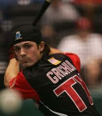 Randal-grichuk-looks-at-the-pitch_display_image