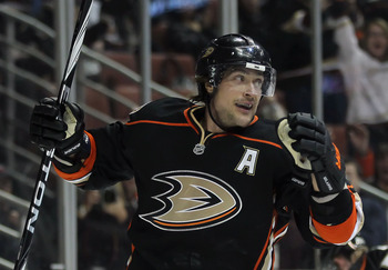 ANAHEIM, CA - JANUARY 16:  Teemu Selanne #8 of the Anaheim Ducks celebrates a goal against the Edmonton Oilers in the first period at the Honda Center on January 16, 2011 in Anaheim, California.  (Photo by Jeff Gross/Getty Images)