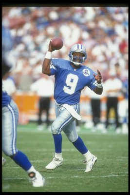 24 Oct 1993: Quarterback Rodney Peete of the Detroit Lions passes the ball during a game against the Los Angeles Rams at Anaheim Stadium in Los Angeles, California. The Lions won the game, 16-13.