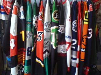 Hockeyjerseys_display_image