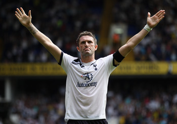 LONDON, ENGLAND - AUGUST 07:  Robbie Keane of Tottenham Hotspur celebrates scoring his second and Tottenham's third goal during the pre-season friendly match between Tottenham Hotspur and Fiorentina at White Hart Lane on August 7, 2010 in London, England.