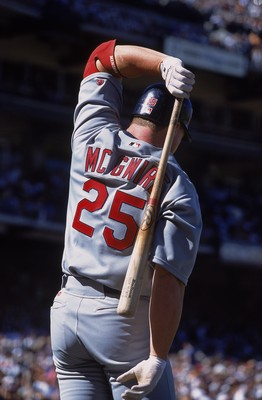 1 Jul 2001:  Mark McGwire #25 of the St. Louis Cardinals warms up to bat during the game against the San Francisco Giants at Pac Bell Park in San Francisco, California.  The Giants defeated the Cardinals 5-4.Mandatory Credit: Jed Jacobsohn  /Allsport