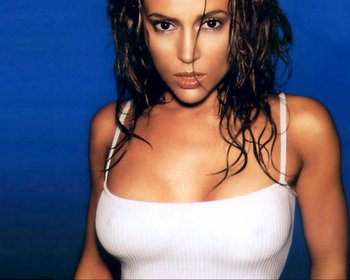 Alyssa-milano-stretch-tanktop-1-1280x1024_display_image