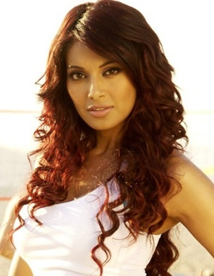 Bipasha-basu-naughty_display_image