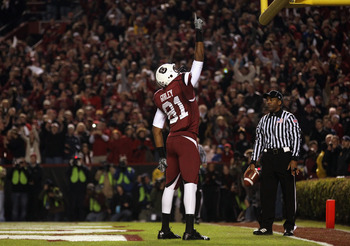 COLUMBIA, SC - NOVEMBER 06:  Tori Gurley #81 of the South Carolina Gamecocks celebrates after scoring a touchdown against the Arkansas Razorbacks during their game at Williams-Brice Stadium on November 6, 2010 in Columbia, South Carolina.  (Photo by Stree