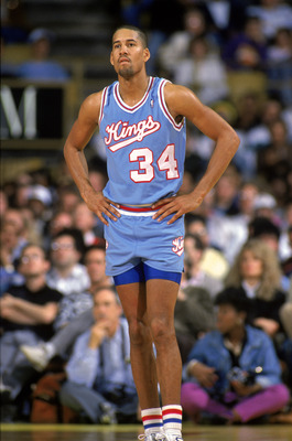LOS ANGELES - 1988:  Ricky Berry #34 of the Sacramento Kings stands on the court during an NBA game at the Great Western Forum in Los Angeles, California in 1988.  (Photo by: Tim Defrisco/Getty Images)