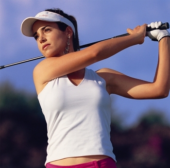 http://www.sportressofblogitude.com/2009/08/14/introducing-beatriz-recari-the-newest-attractive-female-golfer/