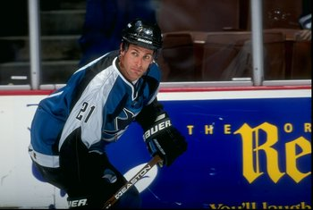 6 Nov 1998: Leftwinger Tony Granato #21 of the San Jose Sharks in action during the game against the Anaheim Mighty Ducks at the Arrowhead Pond in Anaheim, California. The Sharks tied the Mighty Ducks 2-2 in overtime.