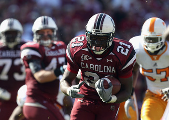 COLUMBIA, SC - OCTOBER 30:  Marcus Lattimore #21 of the South Carolina Gamecocks runs with the ball against the Tennessee Volunteers during their game at Williams-Brice Stadium on October 30, 2010 in Columbia, South Carolina.  (Photo by Streeter Lecka/Get