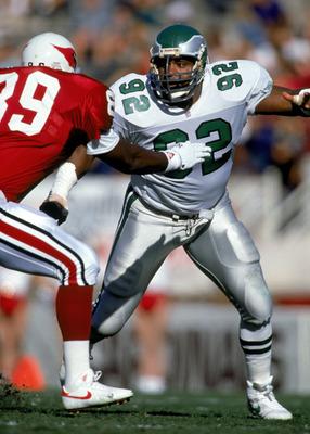 PHOENIX - NOVEMBER 24:  Defensive end Reggie White #92 of the Philadelphia Eagles avoids offense as he runs pass coverage during a game against the Phoenix Cardinals on November 24, 1991 at Sun Devil Stadium in Phoenix, Arizona. (Photo by Mike Powell/Gett