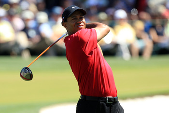 AUGUSTA, GA - APRIL 11:  Tiger Woods hits his tee shot on the third hole during the final round of the 2010 Masters Tournament at Augusta National Golf Club on April 11, 2010 in Augusta, Georgia.  (Photo by David Cannon/Getty Images)