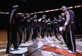 PHOENIX, AZ - FEBRUARY 10:  The Phoenix Suns huddle up before the NBA game against the Golden State Warriors at US Airways Center on February 10, 2011 in Phoenix, Arizona. The Suns defeated the Warriors 112-88. NOTE TO USER: User expressly acknowledges an